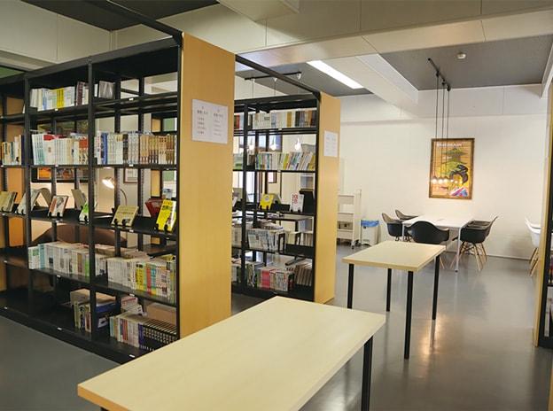 8:図書室