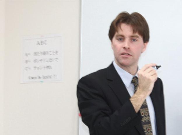 英語を教えているネイティブ教員